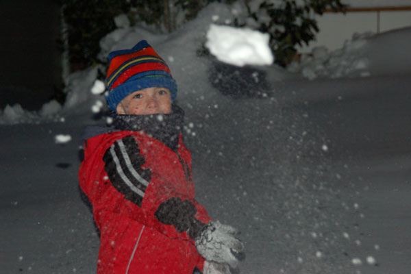 Snowball Fight – A Fun, Easy Therapy Activity